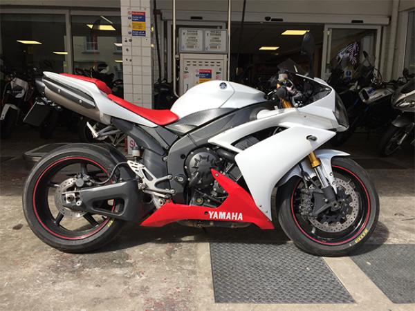 Yamaha R1 YZF – R1